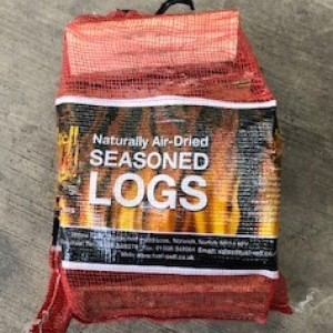 Net Of Air Dried Seasoned Logs